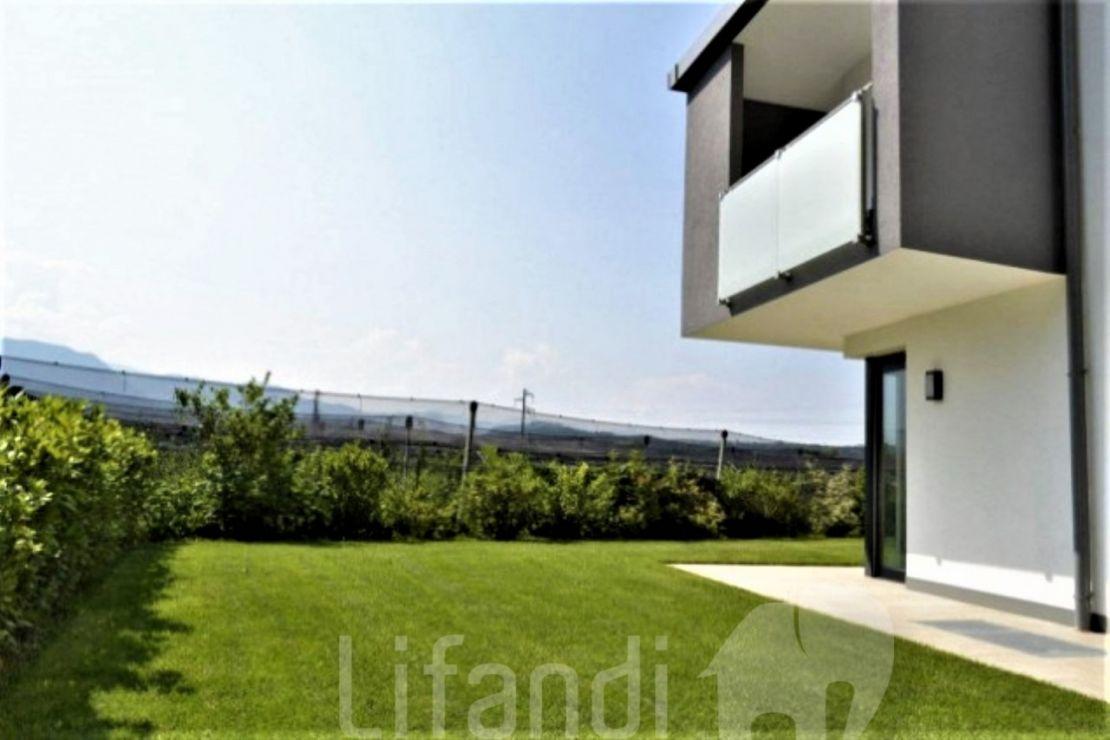 San Maurizio: Casa a schiera con giardino e terrazzo sul tetto ...