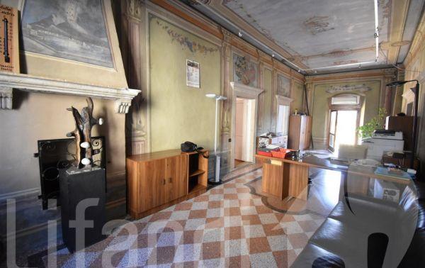 Mezzocorona via baron cristani 2 trilocali in un edificio storico lifandi agenzia - Agenzia immobiliare castelrotto ...