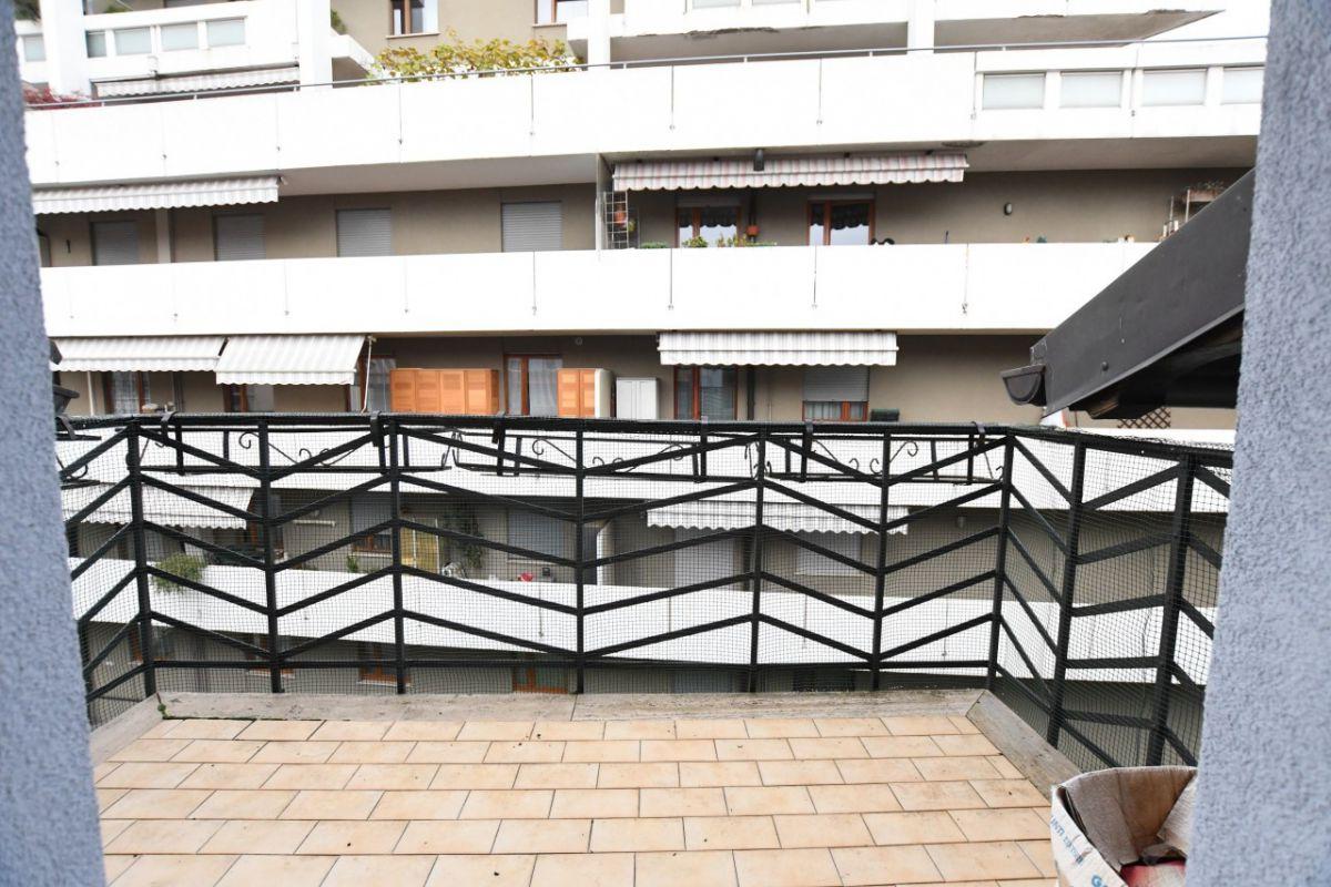 Via piani d isarco ampio trilocale con loggia cantina e for Piani casa bungalow con cantina e garage